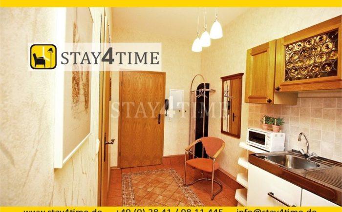 05 Küche mit Eingangsbereich